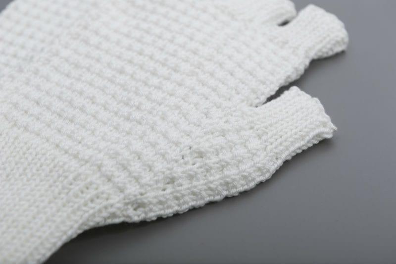 Mittens - White