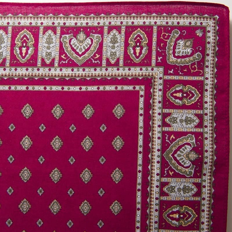 Diamond Bandana / Handkerchief (Burgandy)